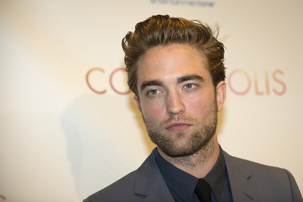 R Pattinson