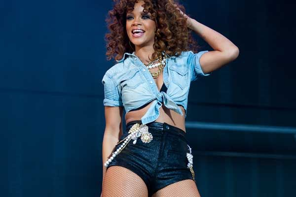 RIHANNA NAMED TOP POP ARTIST