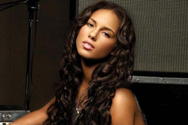 Alicia Keys wants fan photos for new video