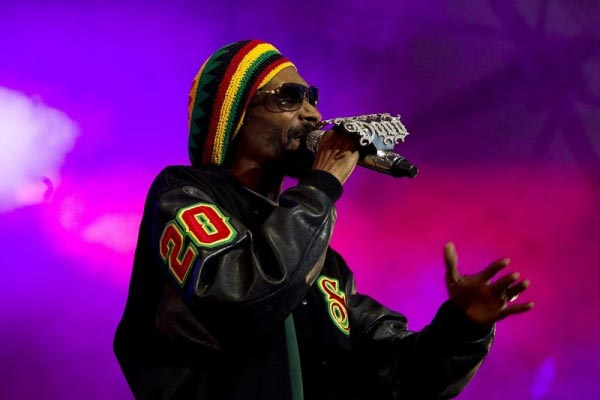 Snoop Dogg marks 20 years in hip-hop