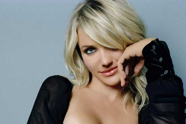 Cameron Diaz writing fitness book to empower female fans