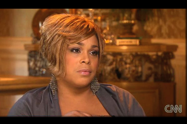 T-Boz takes a hit in mansion sale