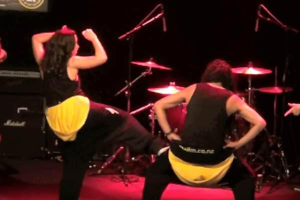VIDEO: Kanoa and Toast Twerk