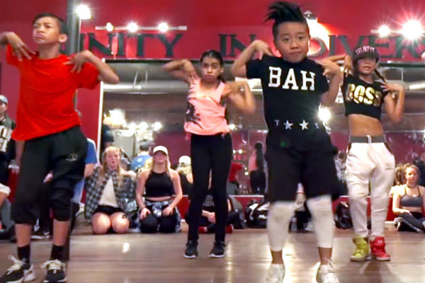 Missy Elliot can't get enough of these kids dancing to her song 'WTF'
