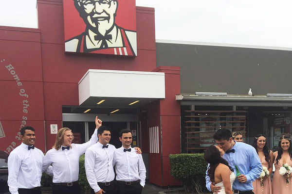 Kiwi couple's KFC Wedding photos go viral