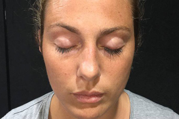 Lily and K'Lee put the cotton wool eyelash hack to the test