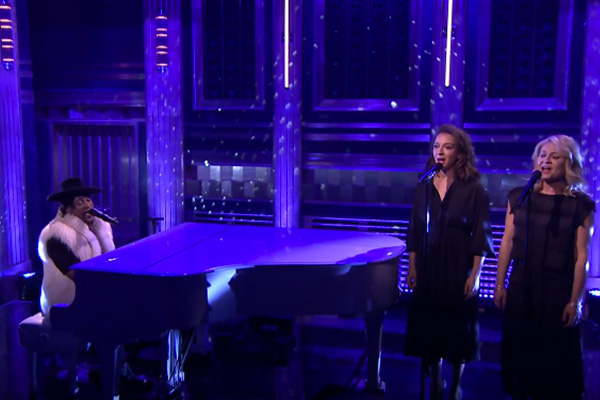 """Watch: D'Angelo's moving tribute for Prince on """"The Tonight Show"""