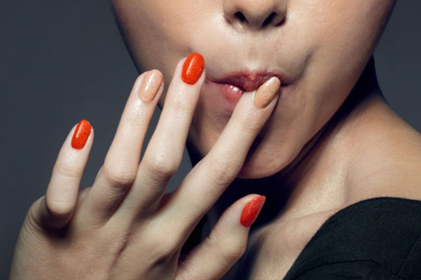 "KFC drops ""finger lickin' good"" Nail Polish that tastes like fried chicken"